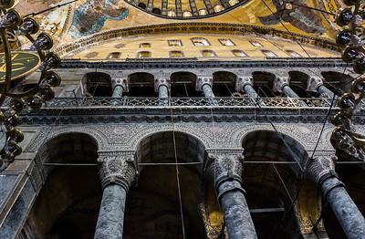 Istanbul, Hagia Sophia: Schrägblick auf Säulen der nördl. Schildwand