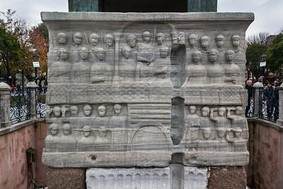 Istanbul, Obelisk im Hippodrom: Nordostseite