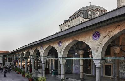 Istanbul, Rüstem Pascha: Blick auf Vorhalle