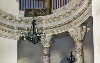 Istanbul, Sergios und Bakchos: Architrav mit 2 Kapitellen