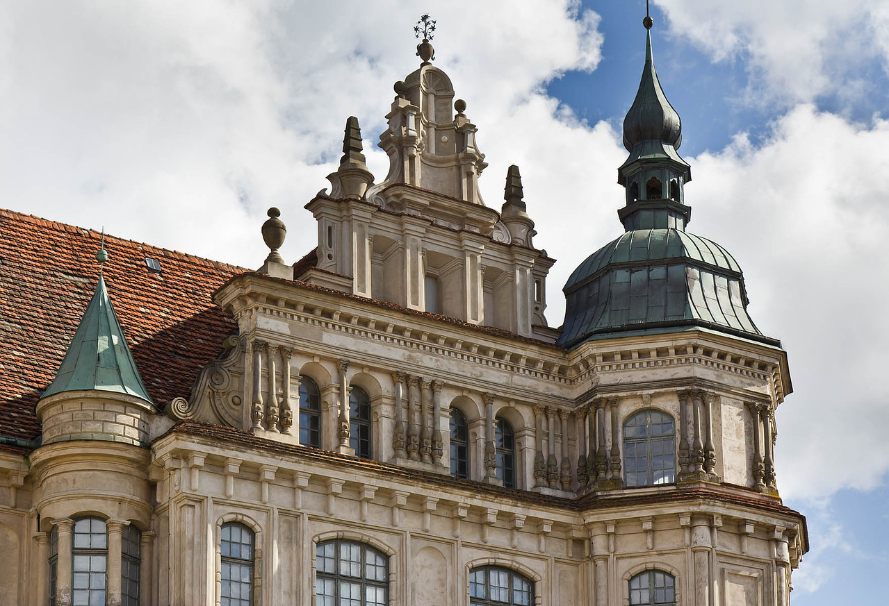 Güstrow. Schloss. Westfassade, Giebel des Südturms