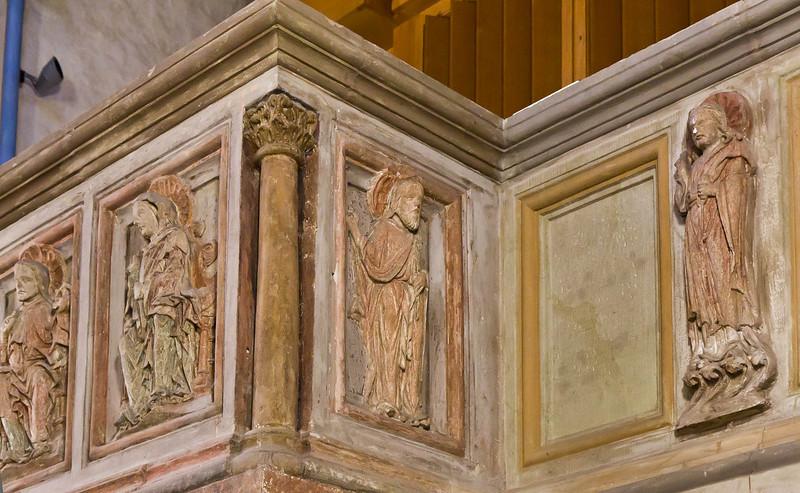 Goslar. Neuwerkkirche: Stuckreliefs der ehem. Lettnerkanzel - Jesus, Maria, Paulus, Apostel