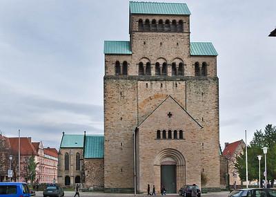 Hildesheim. Dom von Westen