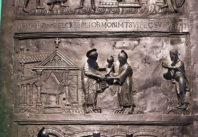 Hildesheim. Bernwardtür, NT 12: Darbringung im Tempel (RPM)