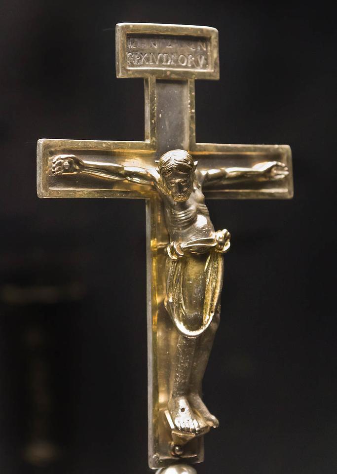 Silbernes Bernwardkreuz, tlw. vergoldet (vor 1022) [Dommuseum Hildesheim, bis 9/2012 Bodemuseum Berlin]