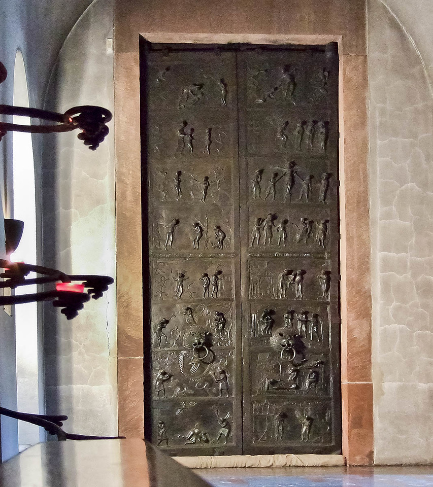 Hildesheim, Dom. Bernwardtür (1015)