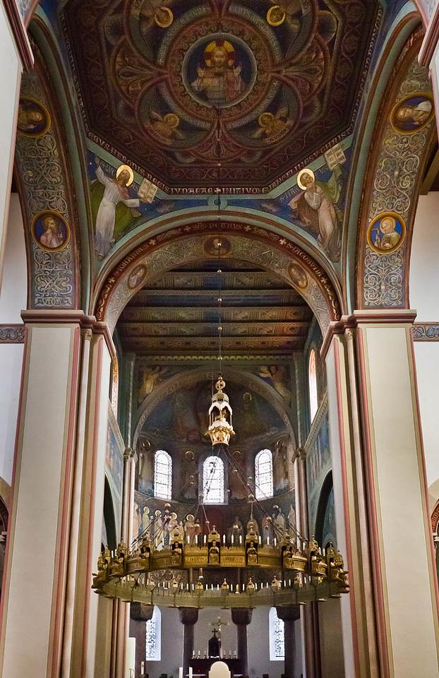 Hildesheim. St.Godehard, Chor und Vierungskuppel: Ausmalung M. Welter 1863