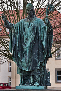 Hildesheim, Domvorplatz: Bernwardsdenkmal (F. Hartzer, 1893)