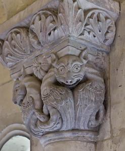 Königslutter, Dom: Kreuzgang, Kapitell