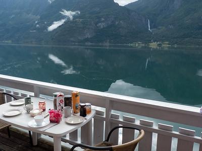 Luster Fjordcamping - Frühstück