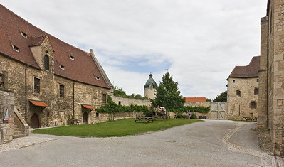 """Freyburg, Schloss Neuenburg. Blick nach Osten auf """"Dicken Wilhelm"""""""