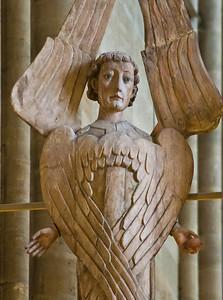 Halberstadt, Dom. Triumphkreuz: linker Seraphim, Detail