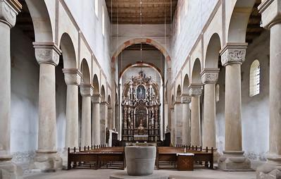 Hamersleben, St. Pankratius. Längsschiff nach Osten (1.H.12.Jh.) mit Altar von 1687