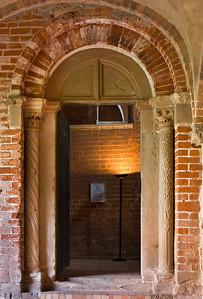Jerichow, Stiftskirche: Portal der Kirche zum Kreuzgang