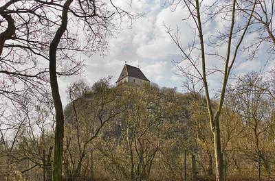 Landsberg/Saale, Doppelkapelle. Ansicht vom Fuß des Burgbergs