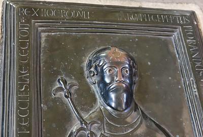 Merseburg, Dom, Grabplatte Rudolf von Schwaben im Chor (um 1080)