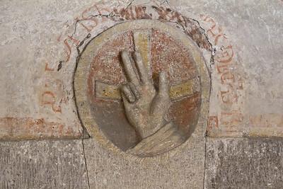 Merseburg, Dom, Krypta, Relief der segnenden Hand (ca. 1080)