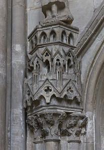 Kloster Schulpforta, Kirche. Chor, südl. Wandnische: Kleinarchitektur unter Johannes