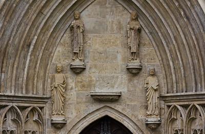 Kloster Schulpforta, Kirche. Apostel über dem Portal