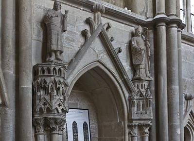 Kloster Schulpforta, Kirche. Chor, südl. Wandnische mit Johanndes d.T. und Bischof Udo von Naumburg