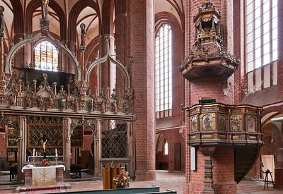 Stendal, Marienkirche, Chorschranke und Kanzel (1566)