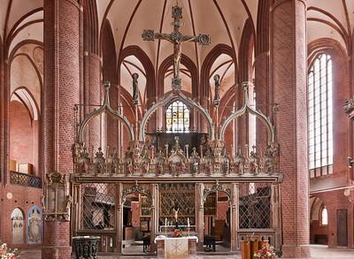 Stendal, Marienkirche, Blick auf Chorschranke und Chor