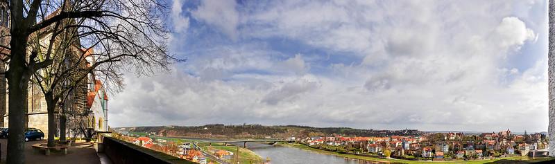 Meißen, Dombergpanorama: Blick über Elbe nach Osten