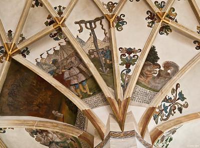 Pirna, St. Marien, 1. Pfeiler Nord: Sodom brennt, Eherne Schlange, Kains Opfer
