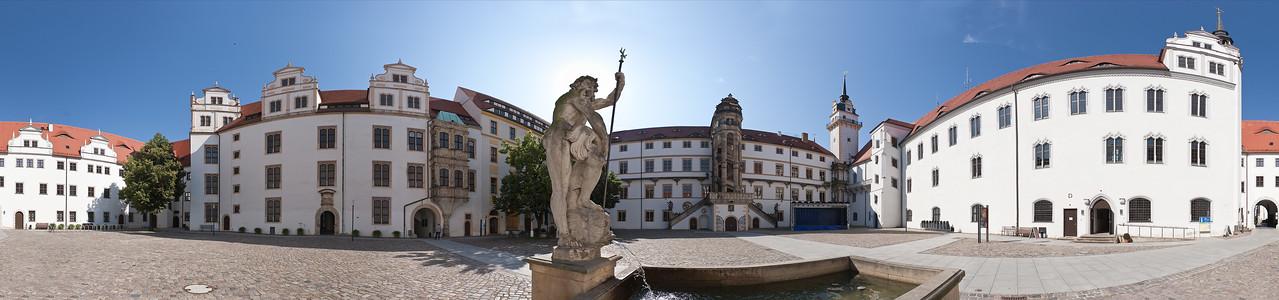 Torgau, Schloss Hartenfels, Panorama des Innenhofes