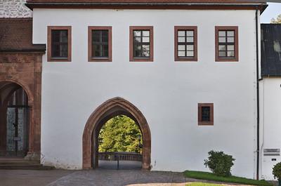 Wechselburg, ehem. Augustinerchorherrenstift. Torgebäude