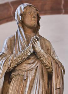 Wechselburg, ehem. Augustinerchorherrenstift. Kreuzigungsgruppe, Maria, Detail