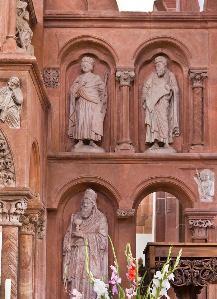 Wechselburg, ehem. Augustinerchorherrenstift. Lettner, Südseite: Salomo, Ezechiel (?), unten Melchisedek