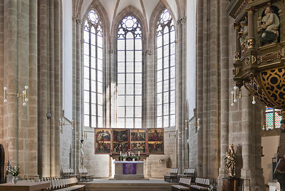 Arnstadt, Liebfrauenkirche; Blick in Chor mit Altar (1498)