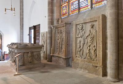 Arnstadt, Liebfrauenkirche, Grabplatten und Grabtumba Günther des XXV. von Schwarzenburg