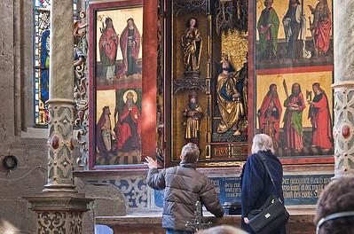 Mühlhausen, Blasiuskirche, Altar wird geöffnet
