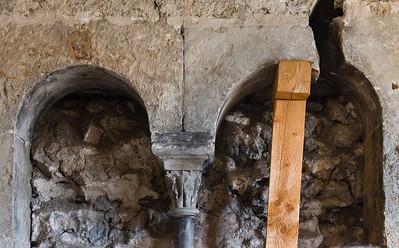 Weissensee, Runneburg. Nordostanbau, Obergeschoss, Säule aus Kohlenkalk, Detail