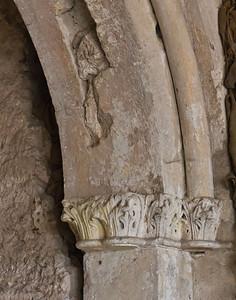 Weissensee, Runneburg. Portal des Festsaals auf Hofseite (westl.), Kapitelle