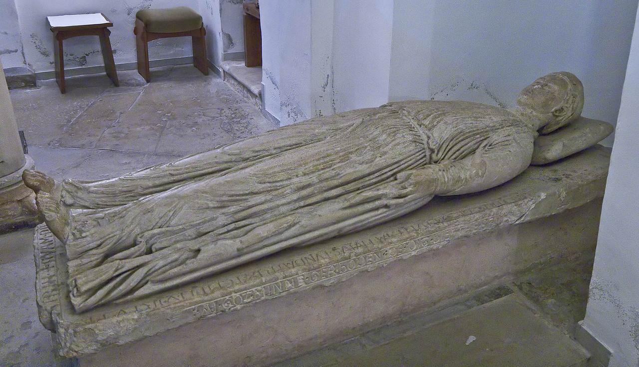 Freckenhorst, ehem. Stiftskirche, Grabplatte der Geva (Anf. 13. Jh.)