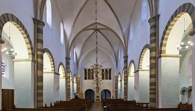 Freckenhorst, ehem. Stiftskirche, Längsschiff nach Westen