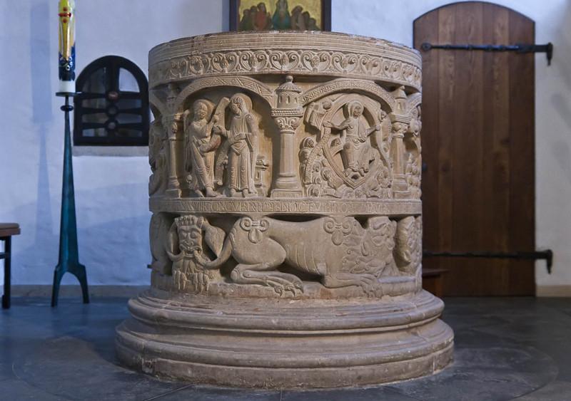 Freckenhorst, ehem. Stiftskirche, Taufstein (1129)