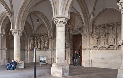 Münster, Dom, Paradiesvorhalle, Fries von Südosten