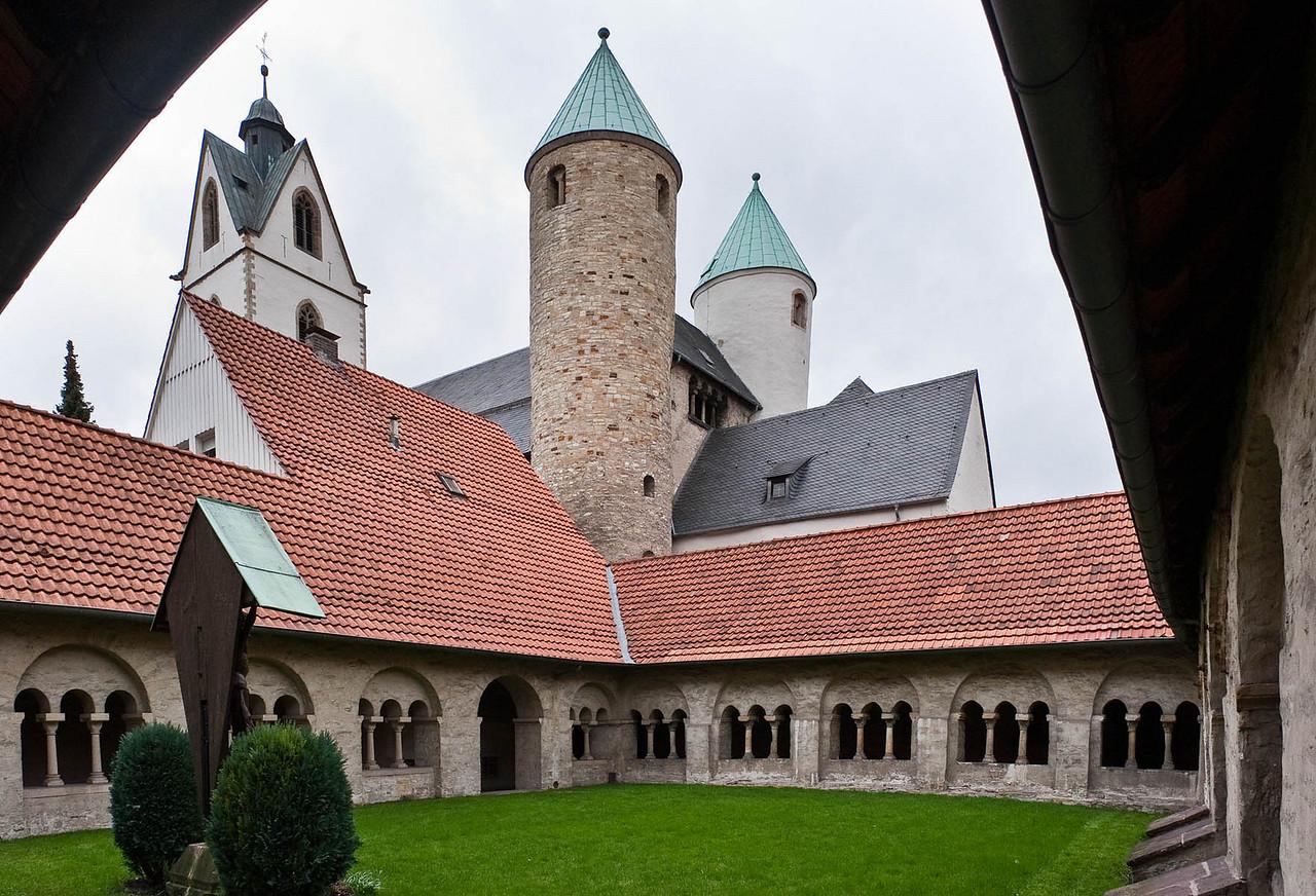 Paderborn, Busdorfkirche, Blick vom Kreuzgang
