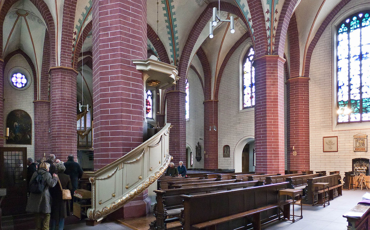 Paderborn, Busdorfkirche, Blich nach Nordwesten