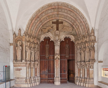 Paderborn, Dom, Paradiesportal (um 1250)