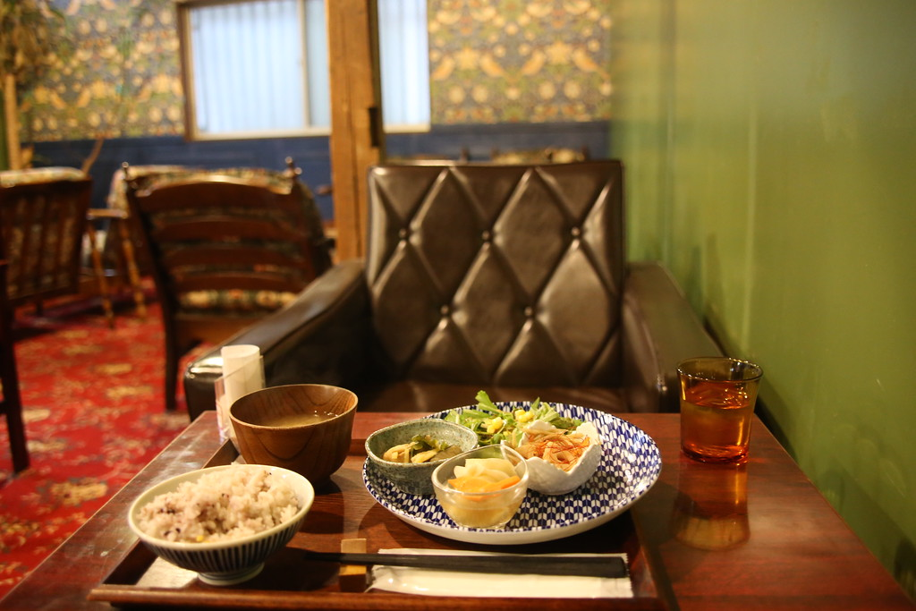 A hearty lunch set at Taiyo No To Cafe