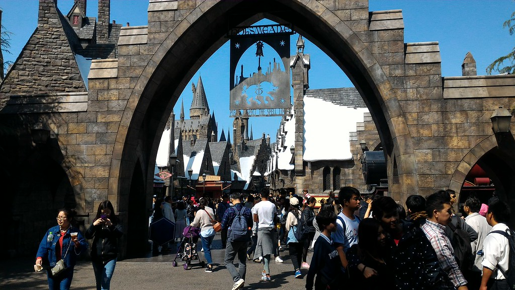 Wizarding World of Harry Potter gate