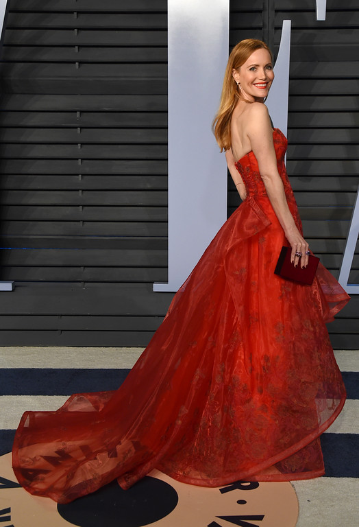 . Leslie Mann arrives at the Vanity Fair Oscar Party on Sunday, March 4, 2018, in Beverly Hills, Calif. (Photo by Evan Agostini/Invision/AP)