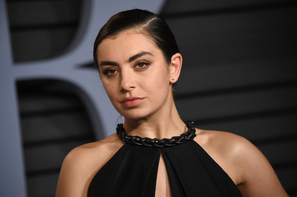 . Charli XCX arrives at the Vanity Fair Oscar Party on Sunday, March 4, 2018, in Beverly Hills, Calif. (Photo by Evan Agostini/Invision/AP)