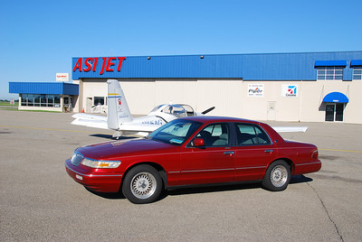 At Flying Cloud, the FBO let me use their crew car, a 1998 Lincoln Grand Marquis.