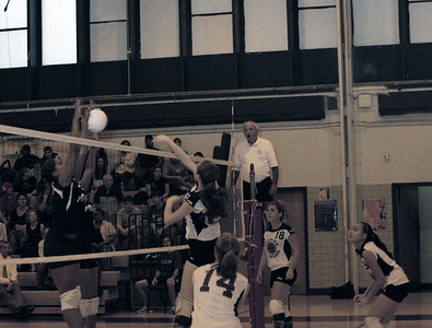 Girls Varsity Volleyball Takes Three in a Row